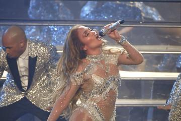 Jennifer+Lopez+aIgqnGQHifkm.jpg